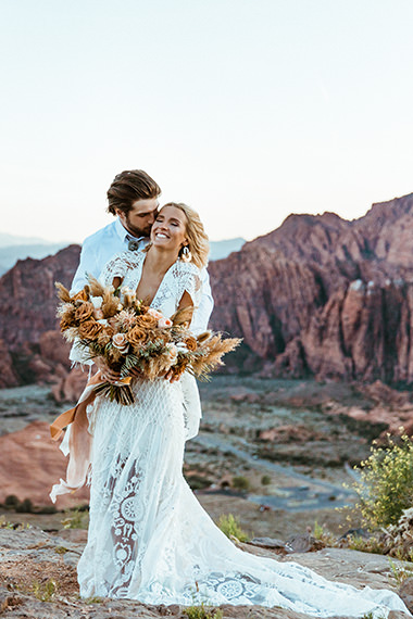 Photography of a wedding in Zion National Park, a location in the US with red rock formations.