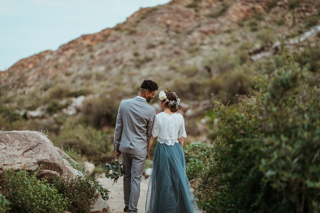 Adventure elopement and small wedding photographer Wind and Sky Photography shares tips on how to have an eco-friendly wedding day and follow Leave No Trace principles.