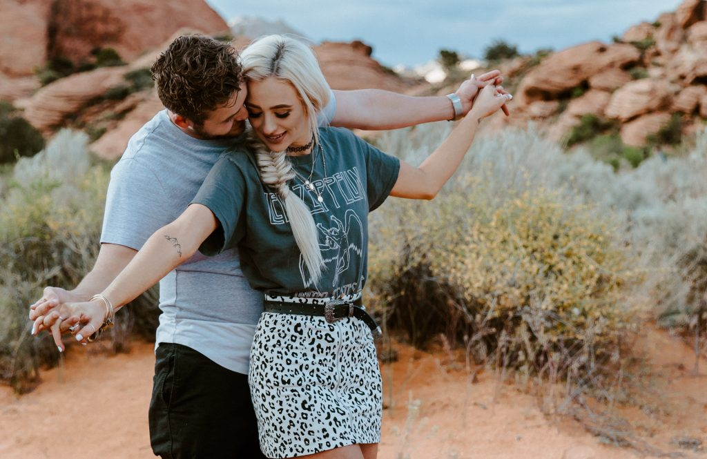 An engagement session in California's Red Rock Canyon State Park including a gallery of the couple's photos.
